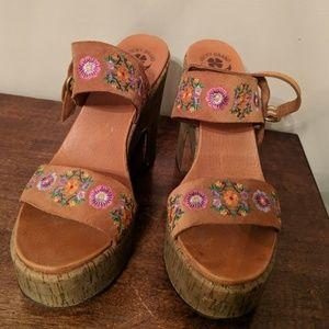 Lucky brand 9m heeled sandals